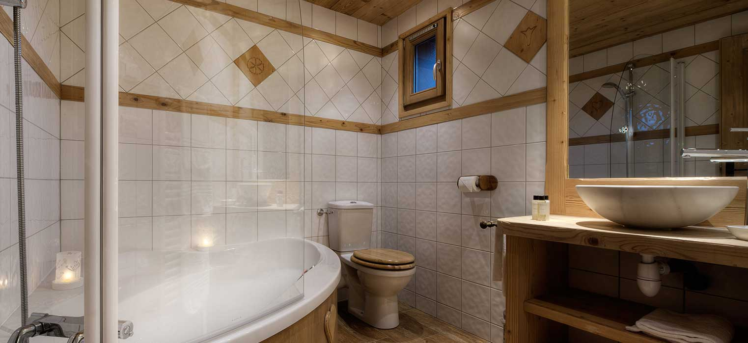 Chalet Blanche Bathroom