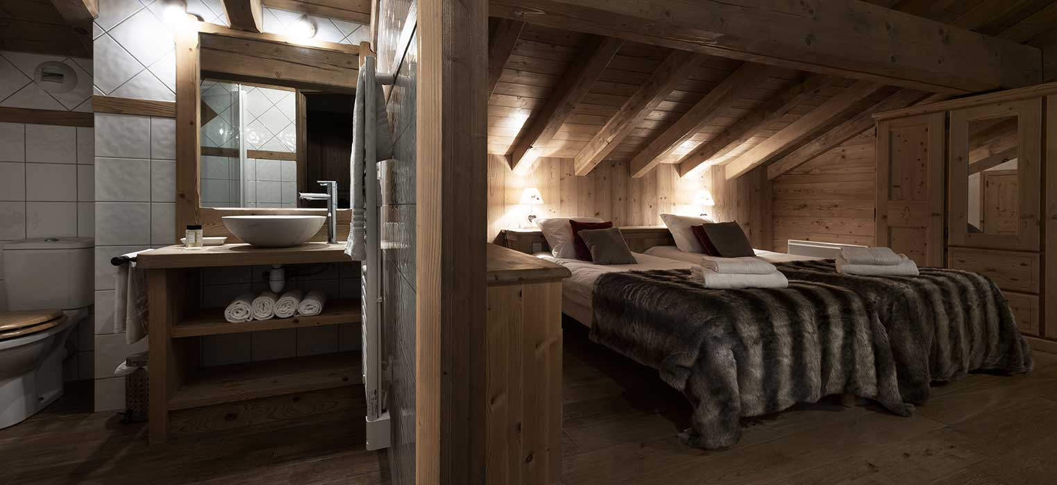 Chalet Blanche Bedroom & Bathroom